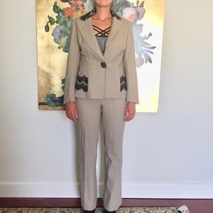💼 Yoana Baraschi Lace Detail Suit